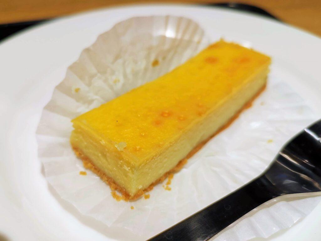 5 CROSSTIES COFFEE(ファイブ クロスティーズ コーヒー) チーズケーキの写真