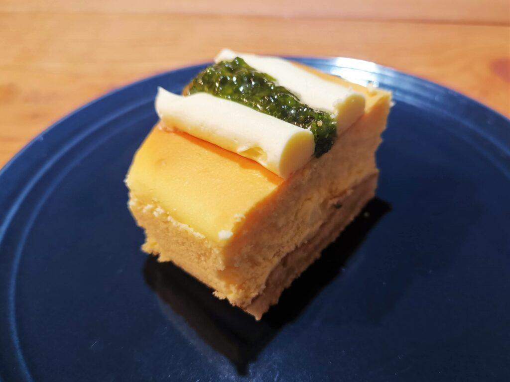 成城石井 プレミアムチーズケーキ(イタリアン産シチリアレモンのチーズケーキ)の写真 (9)