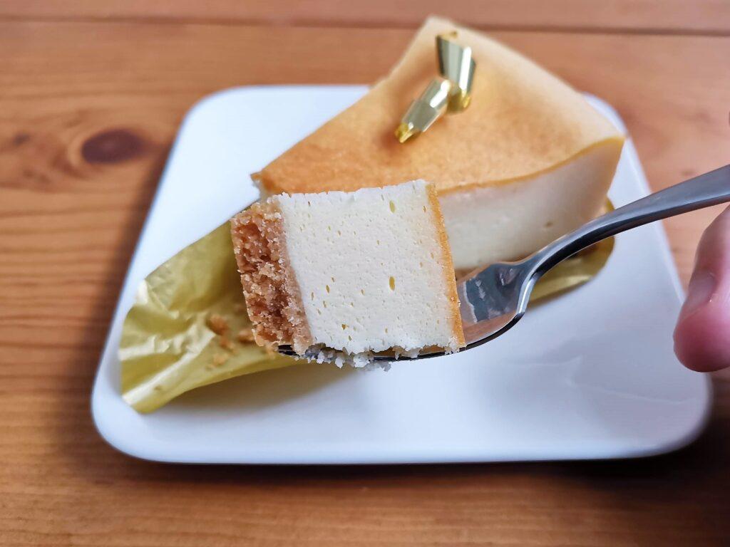 不二家のプレミアム濃厚ベイクドチーズケーキの写真 (5)