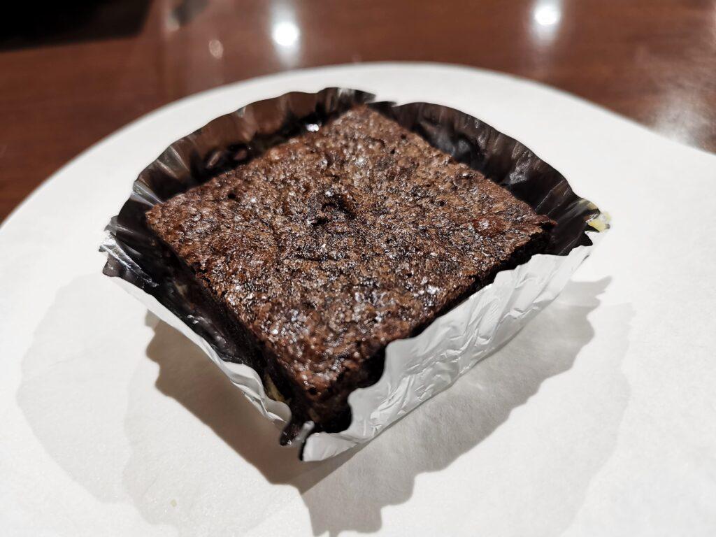 中野「カイルズ・グッド・ファインズ(アメリカンケーキ)」 のチョコブラウニーの写真 (3)