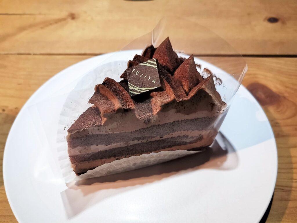 不二家のチョコ生ケーキの写真 (2)