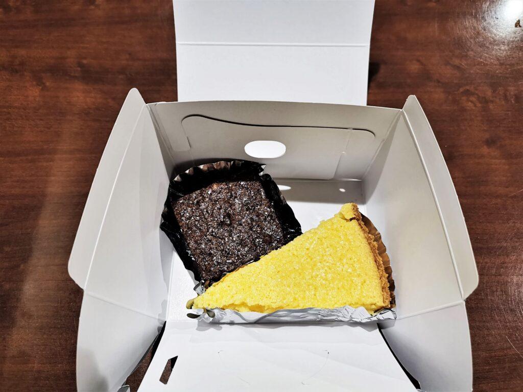 中野「カイルズ・グッド・ファインズ(アメリカンケーキ)」のケーキの写真 (1)
