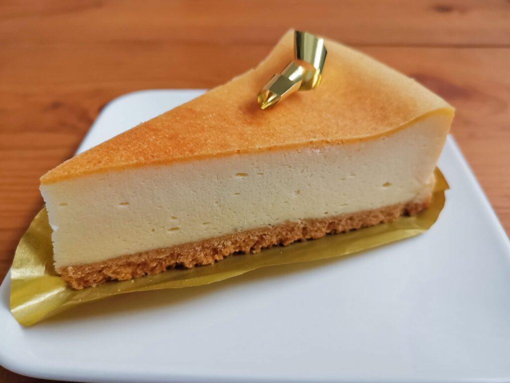 不二家のプレミアム濃厚ベイクドチーズケーキの写真 (9)