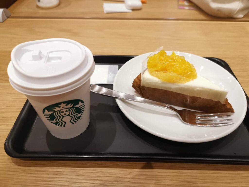 スターバックス オレンジ&レアチーズケーキの写真 (3)