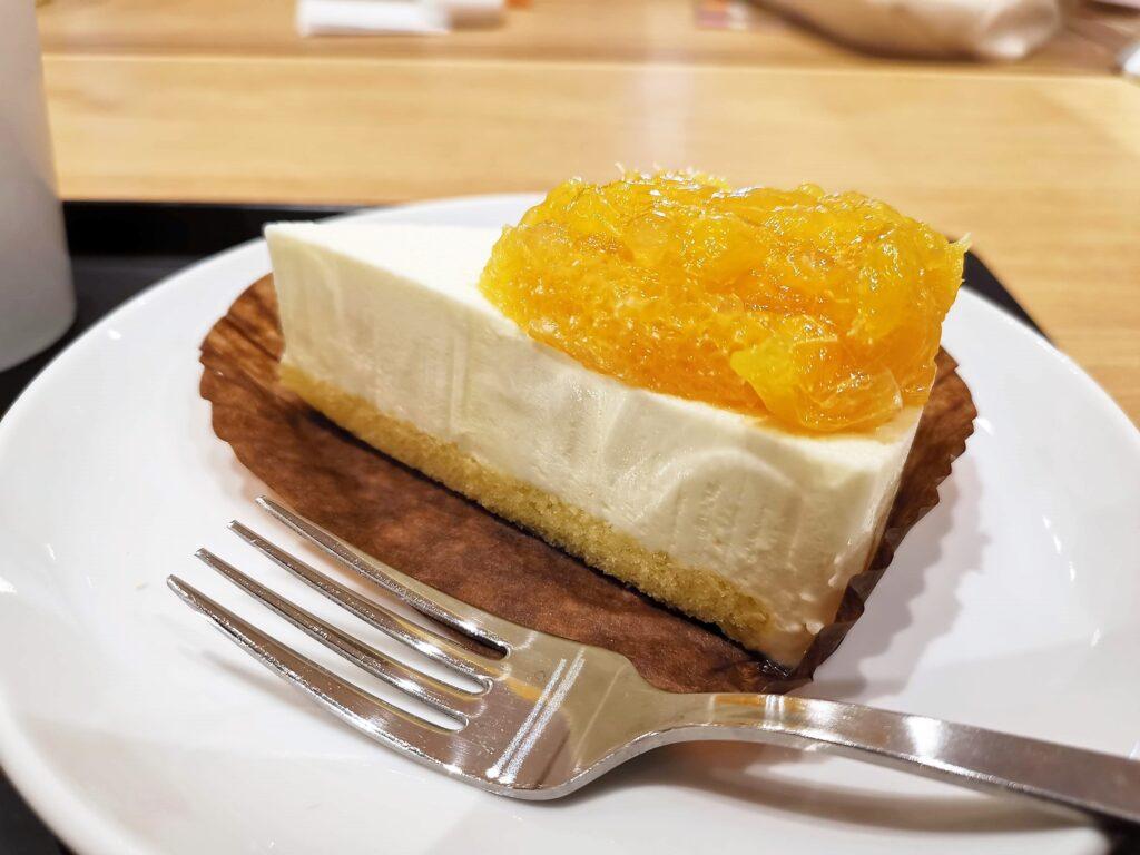 スターバックス オレンジ&レアチーズケーキの写真 (2)