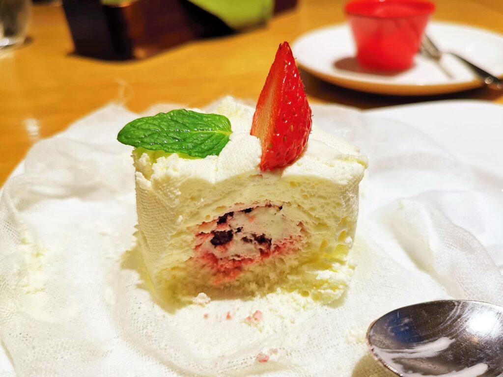 むさしの森珈琲 フレッシュイチゴのクレームダンジュの写真 (1)