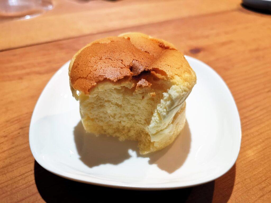 ローソン(山崎製パン)スフレのチーズケーキの写真 (9)