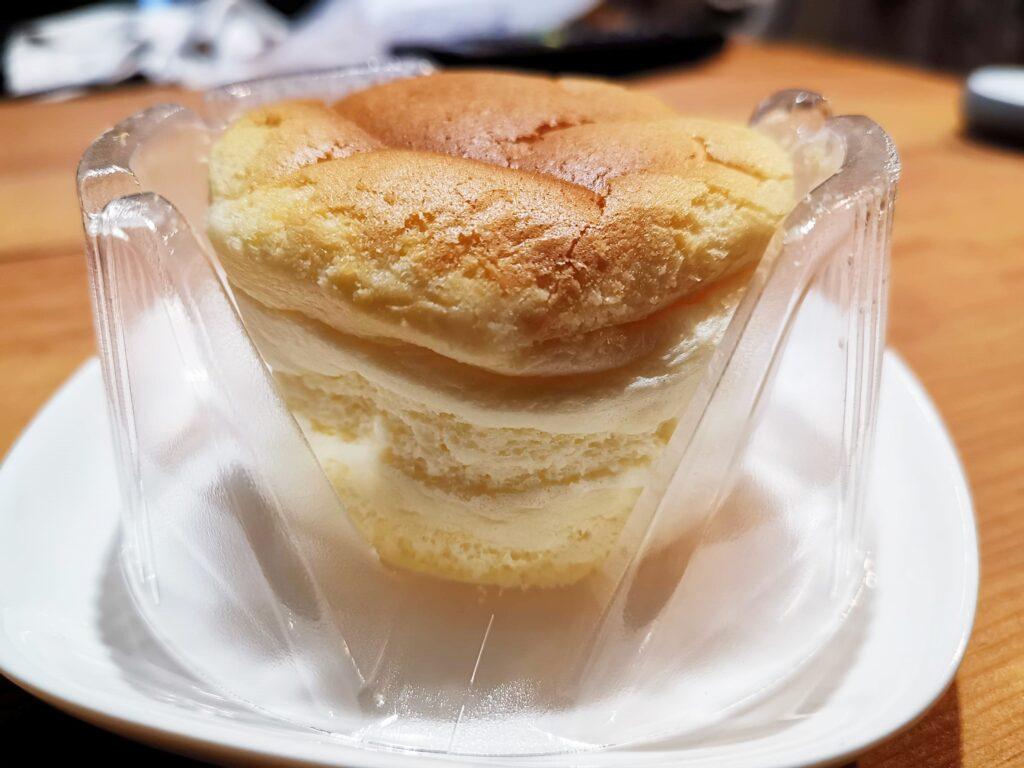 ローソン(山崎製パン)スフレのチーズケーキの写真 (6)