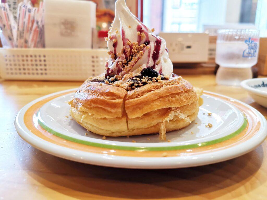 コメダ珈琲店 シロノワールフロマージュベリーの写真 (2)