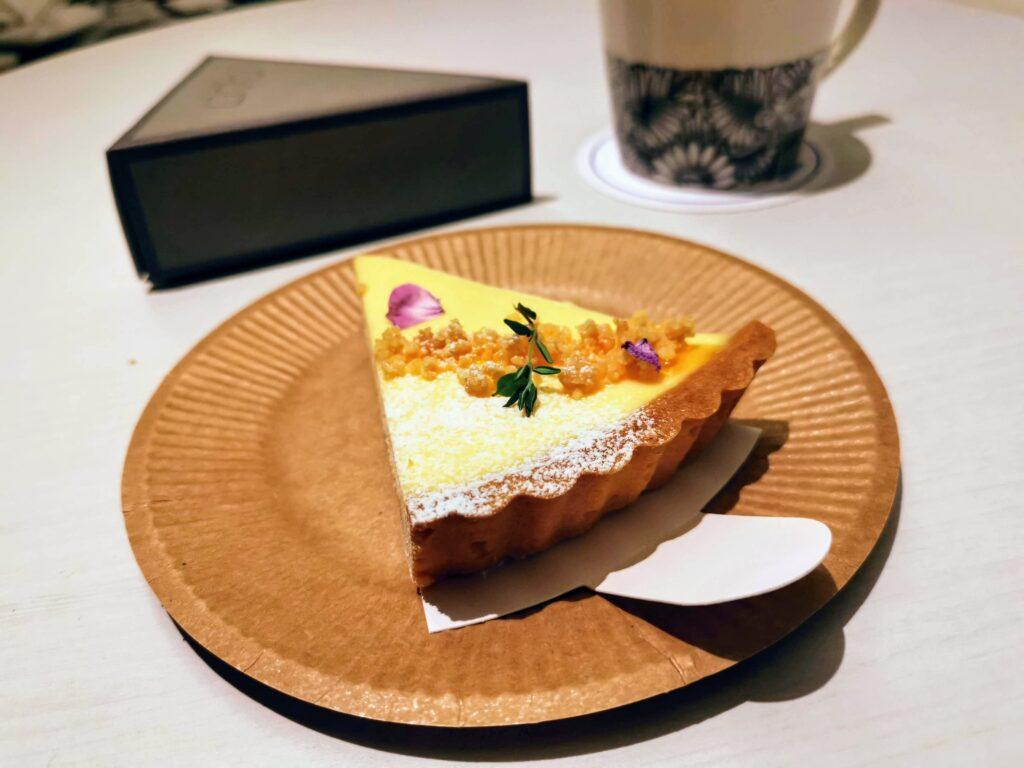 ○△□(マルサンカクシカク)のベイクドレアチーズケーキの写真 (2)