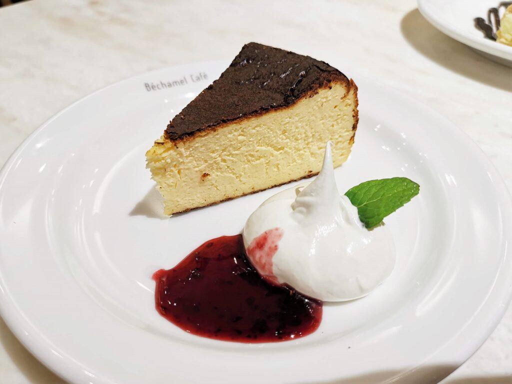 Béchamel Café(ベシャメルカフェ) のバスクチーズケーキ (6)