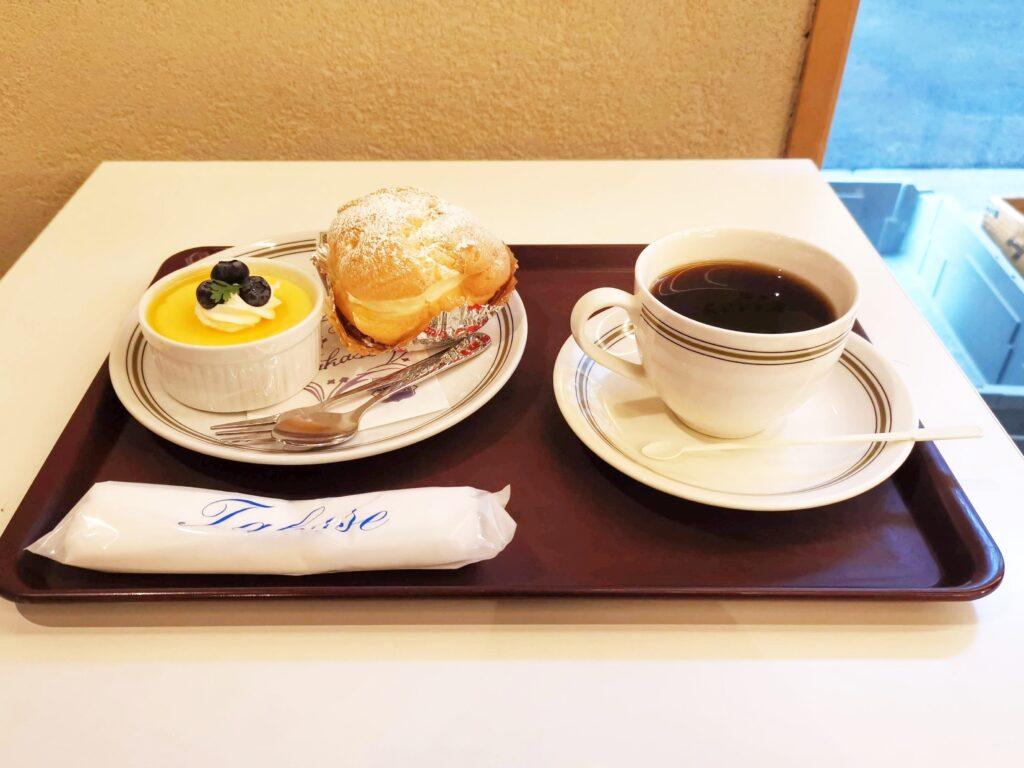 タカセ洋菓子のチーズケーキの写真 (4)_R