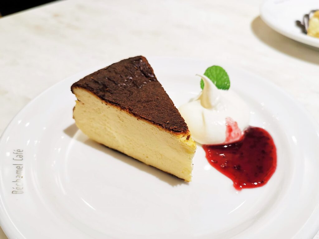 Béchamel Café(ベシャメルカフェ) のバスクチーズケーキ (8)