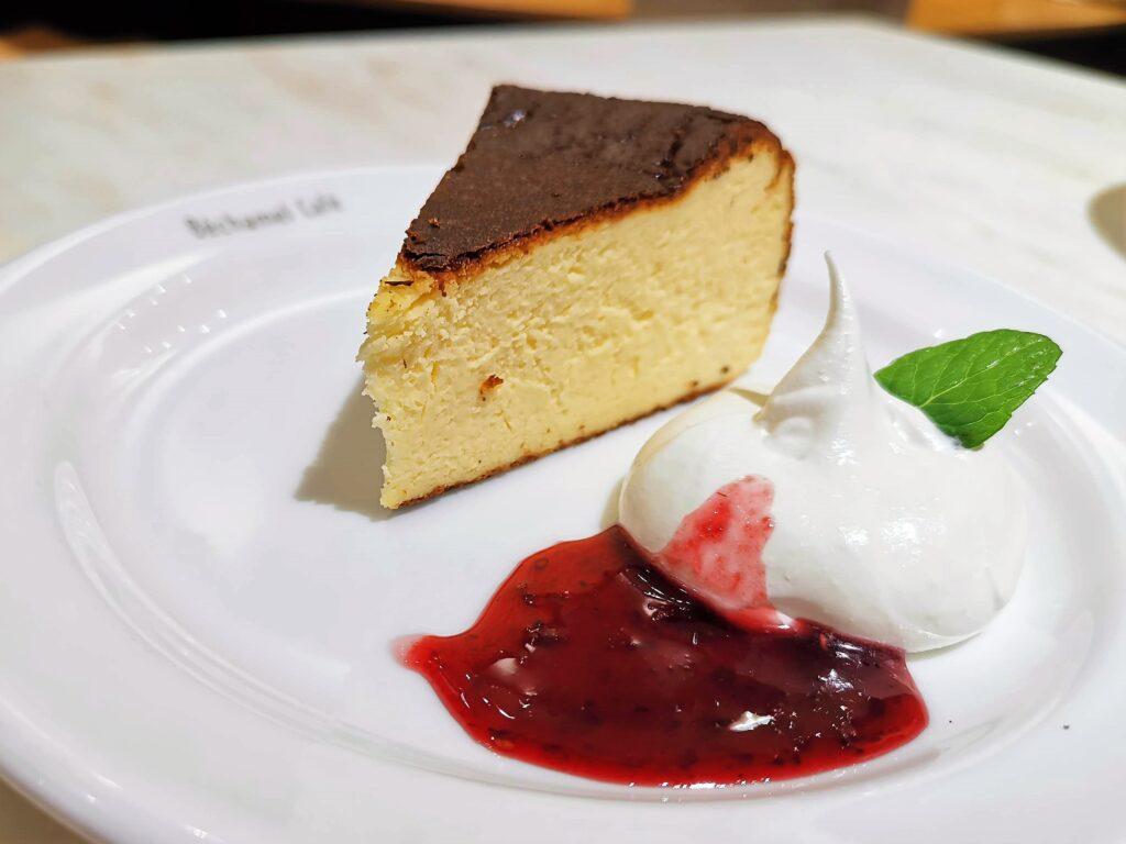 Béchamel Café(ベシャメルカフェ) のバスクチーズケーキ (4)