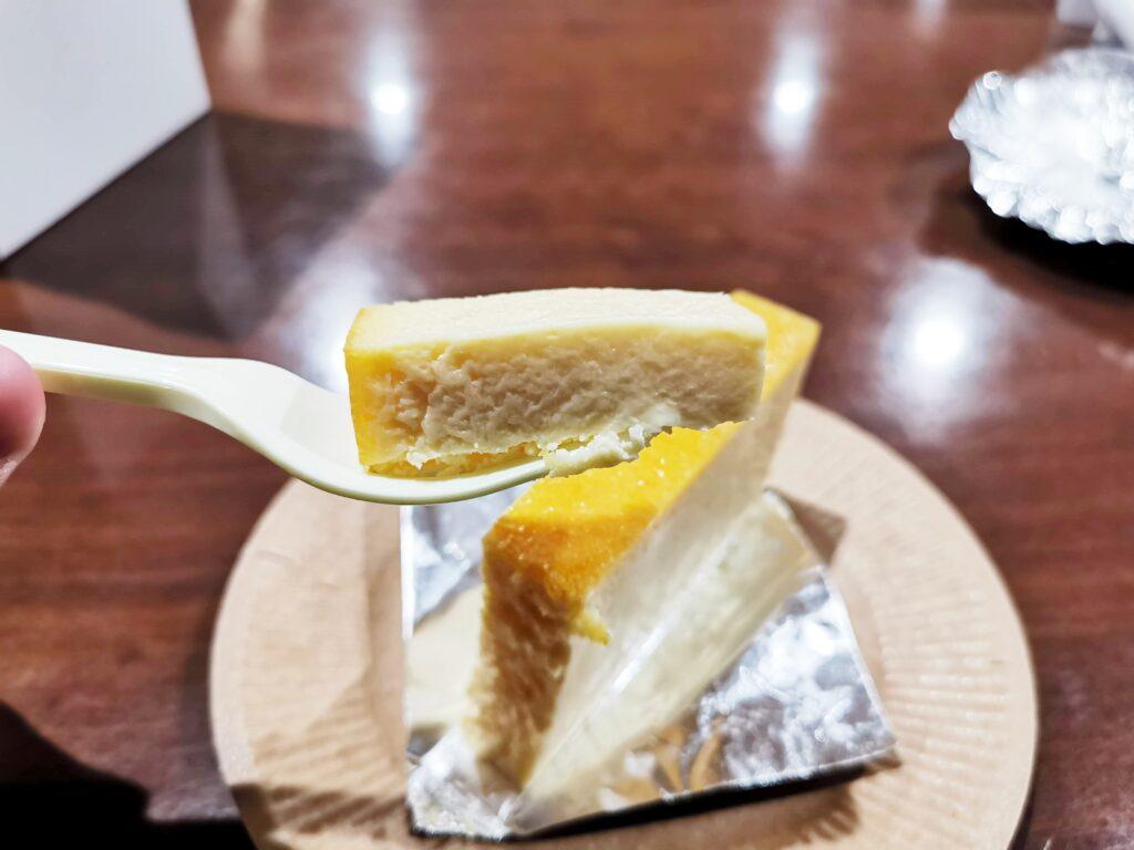 三田「加藤洋菓子」 の自信のチーズケーキ (6)_R
