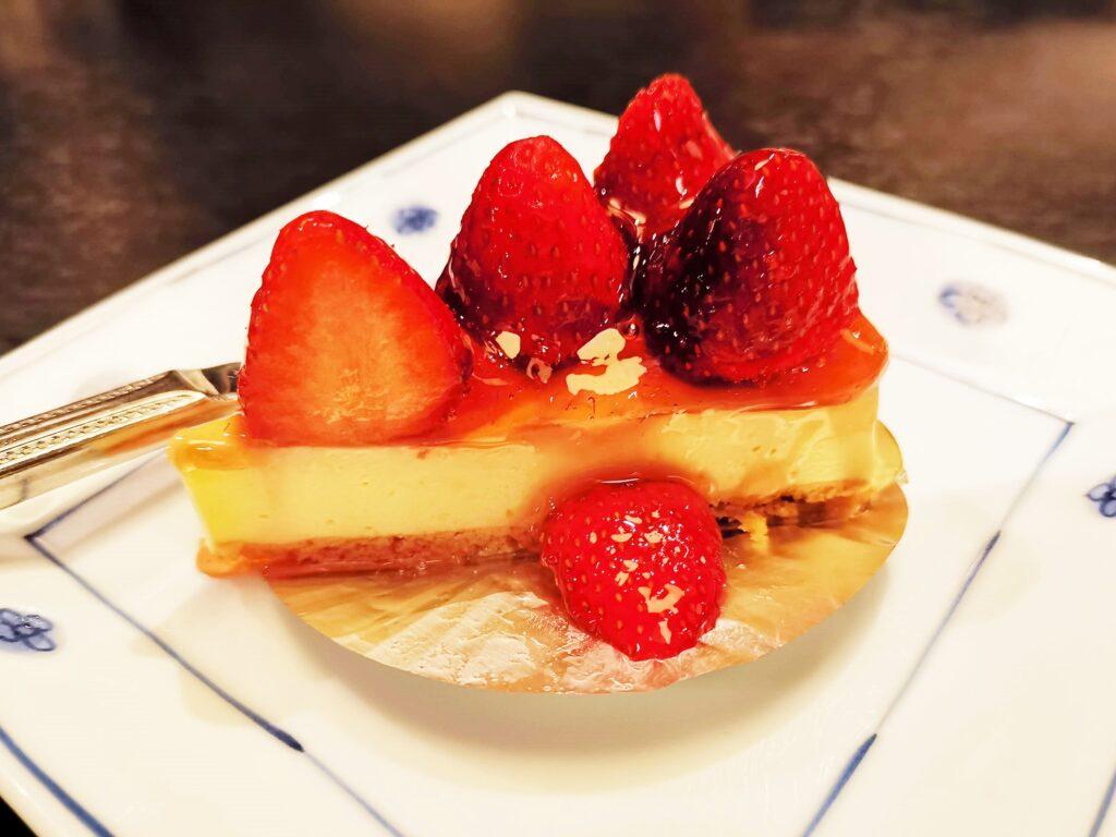 洋麺屋五右衛門の苺のレアチーズケーキの写真 (1)