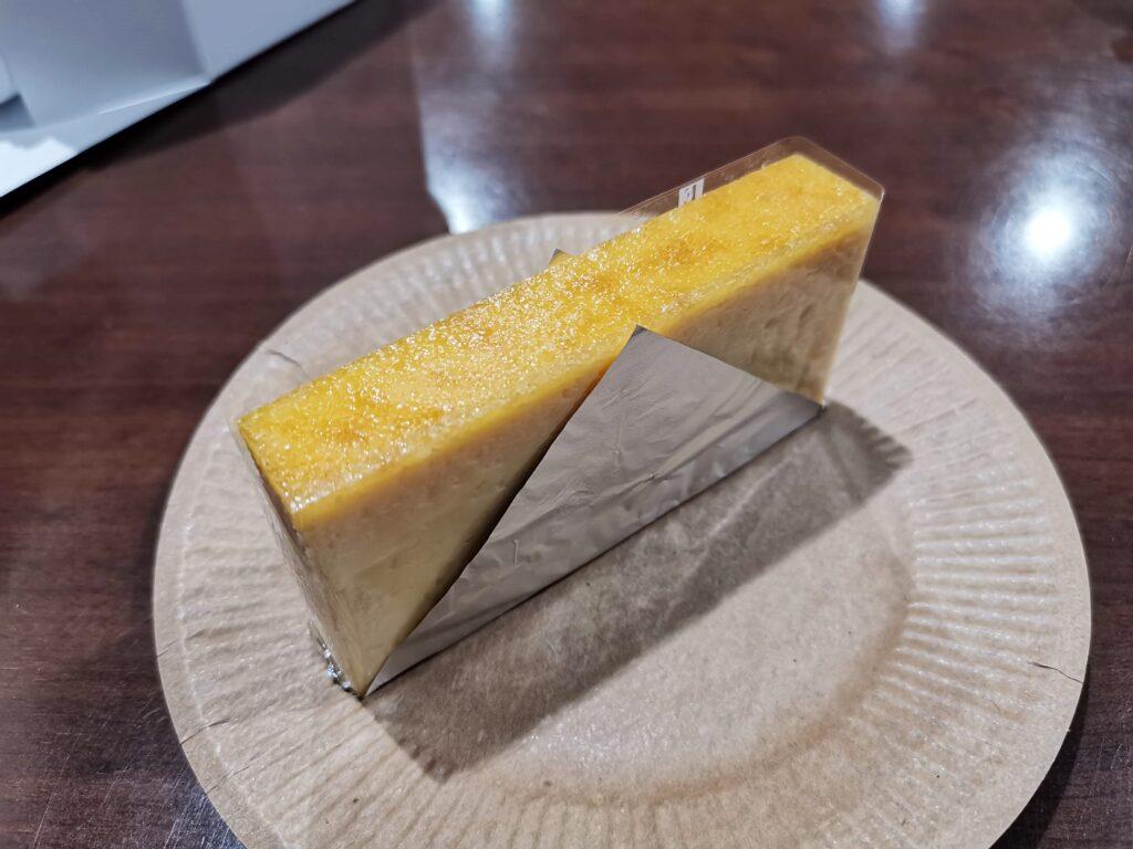三田「加藤洋菓子」 の自信のチーズケーキ (2)_R