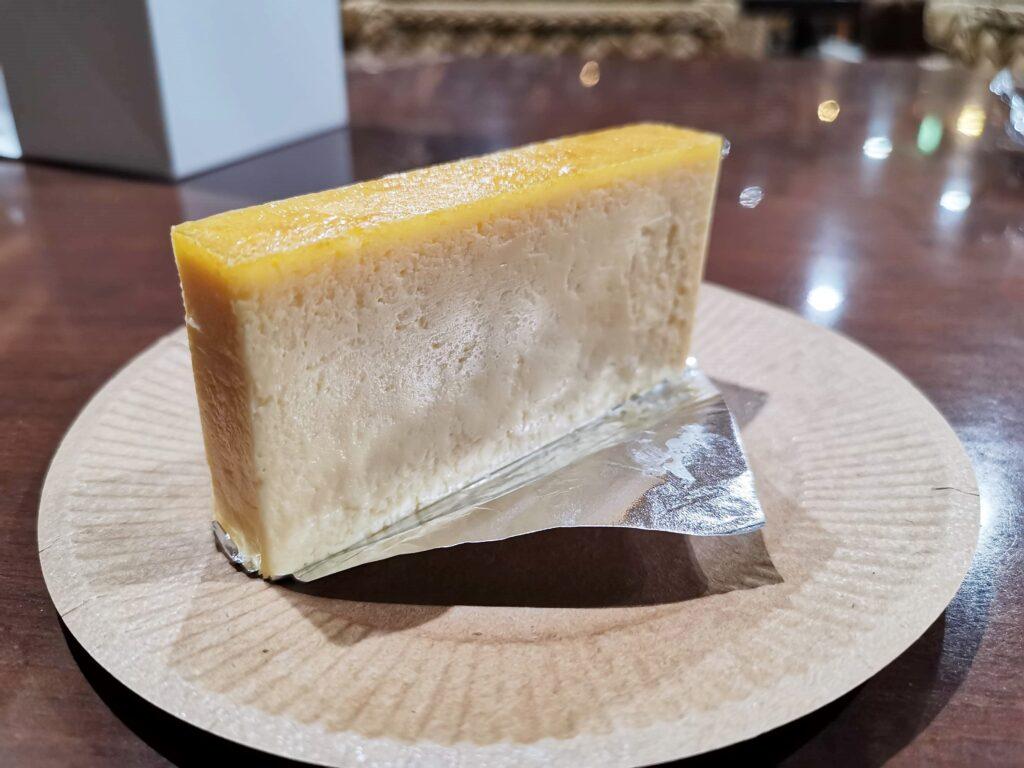 三田「加藤洋菓子」 の自信のチーズケーキ (3)_R