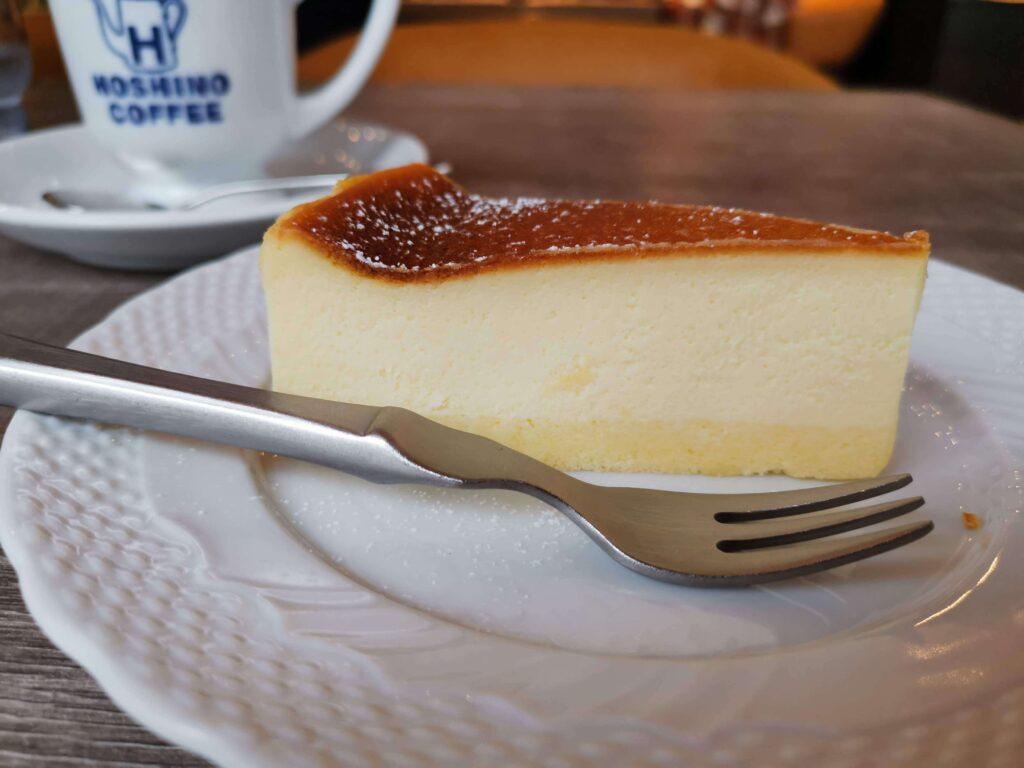 【星乃珈琲店】北海道バスクチーズケーキ チェリーソース添えの写真 (19)