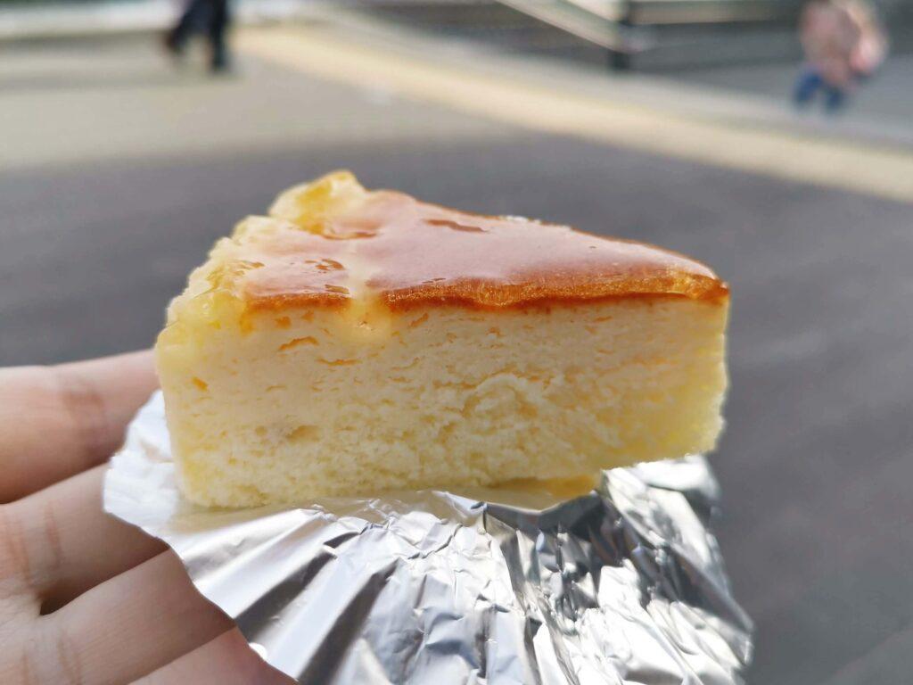 大泉学園のトレント洋菓子店のチーズケーキの写真 (1)