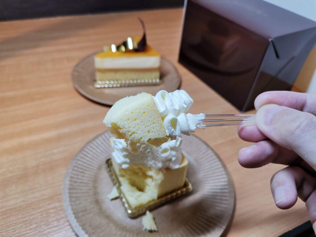 小竹向原「CRIOLLO(クリオロ)」の幻のチーズケーキの写真
