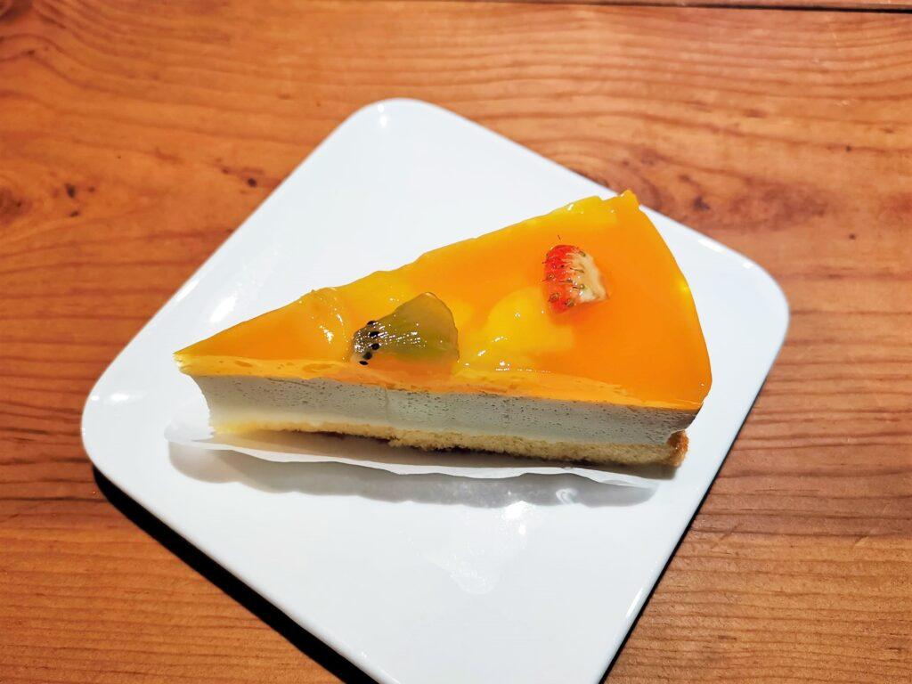 ファミリーマート(山崎製パン)の「マンゴーレアチーズムース」の写真 (9)