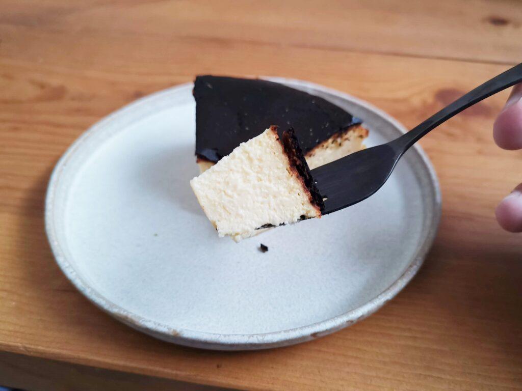 チーズケーキKAKA バスクチーズケーキの写真 (13)