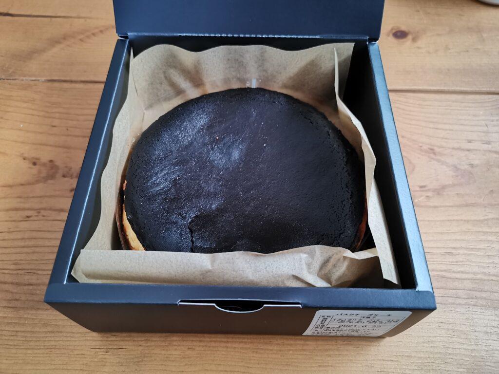 チーズケーキKAKA バスクチーズケーキの写真 (2)