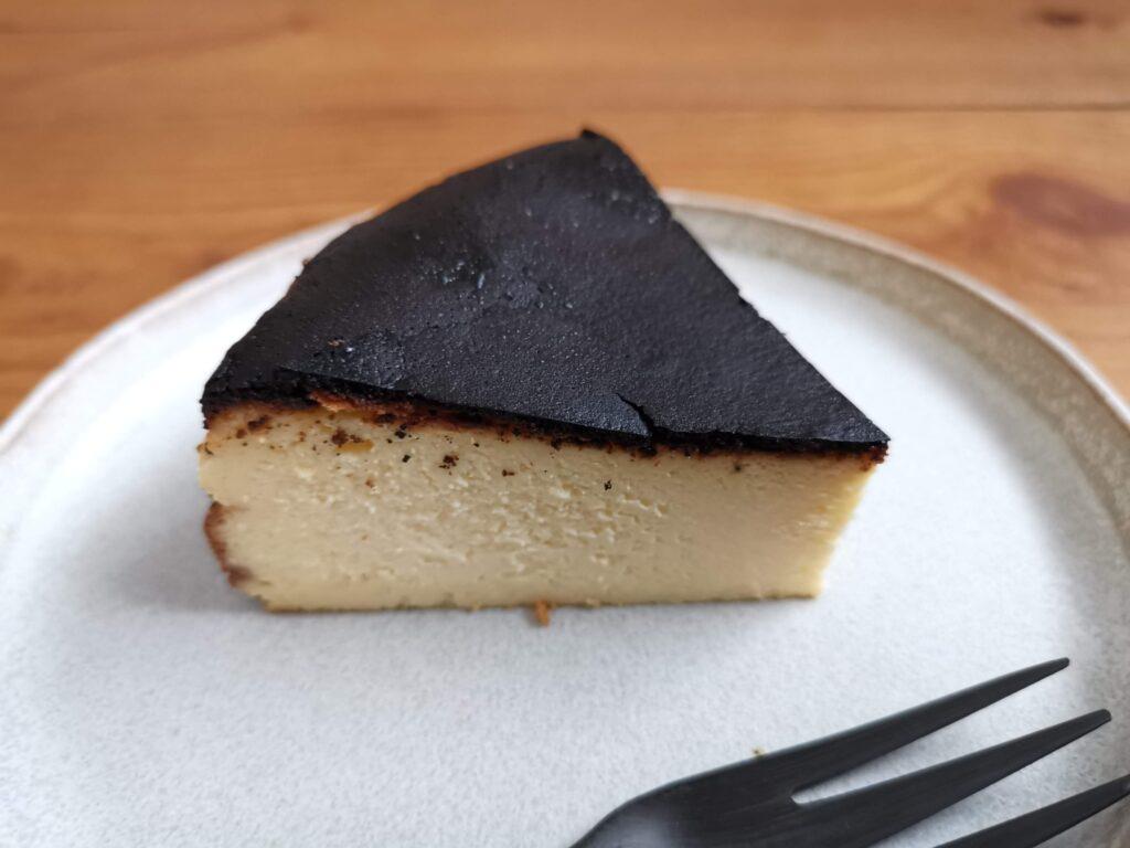 チーズケーキKAKA バスクチーズケーキの写真 (12)