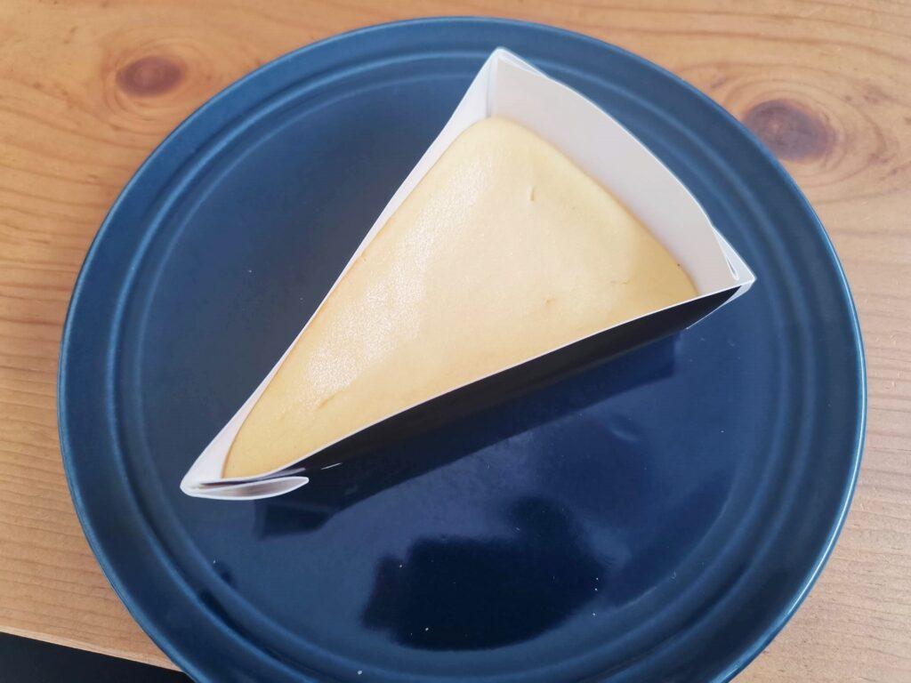 ローソン・山崎製パンのなめらかベイクドチーズケーキ (9)