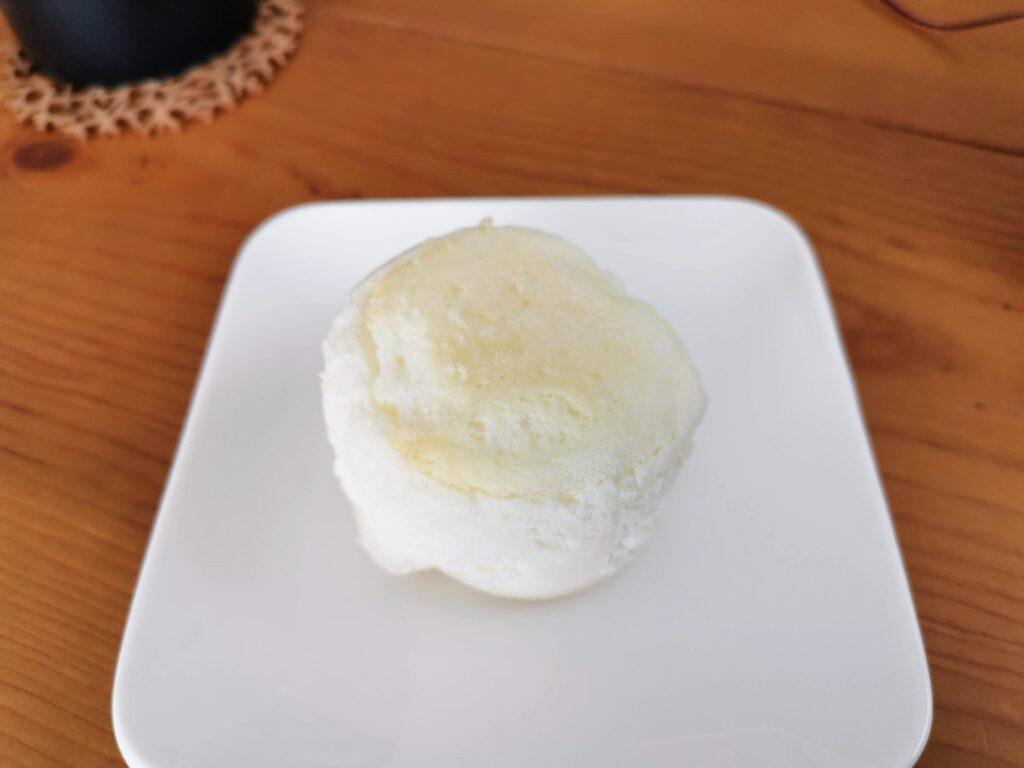 ローソン(山崎製パン)の白いスフレチーズケーキ (8)