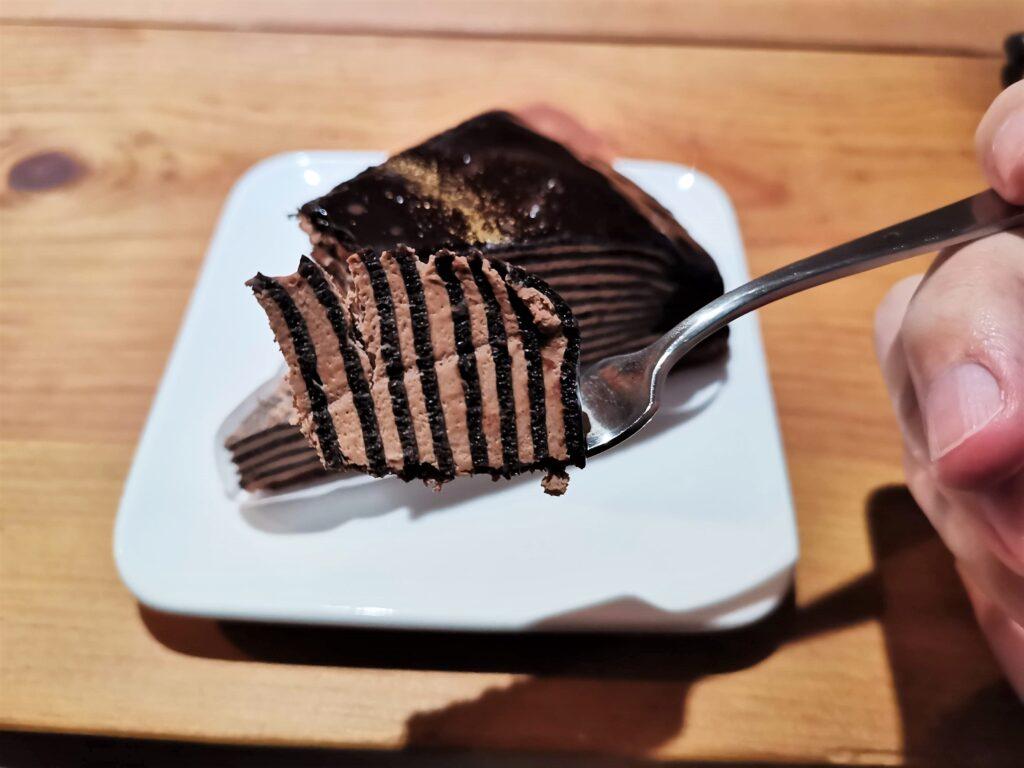 セブンイレブン 生チョコミルクレープの写真 (8)