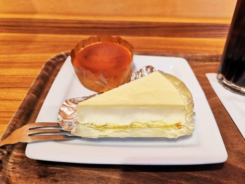 モリバコーヒーのなめらかチーズケーキ