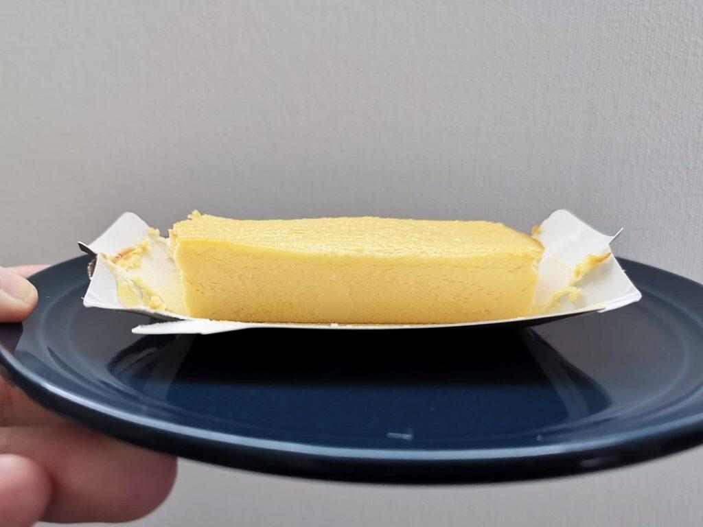 セブンイレブン(デリカシェフ)のクラシックチーズケーキ (4)