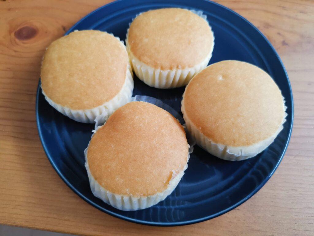 ファミリーマート(山崎製パン)チーズ蒸しケーキ (4)