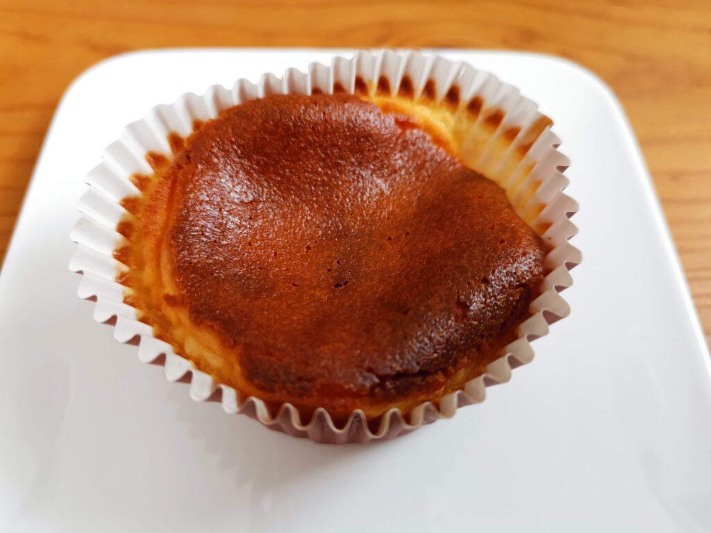 ローソンストア100(オイシス)バスチーズクロ(basucheese kuro) (10)